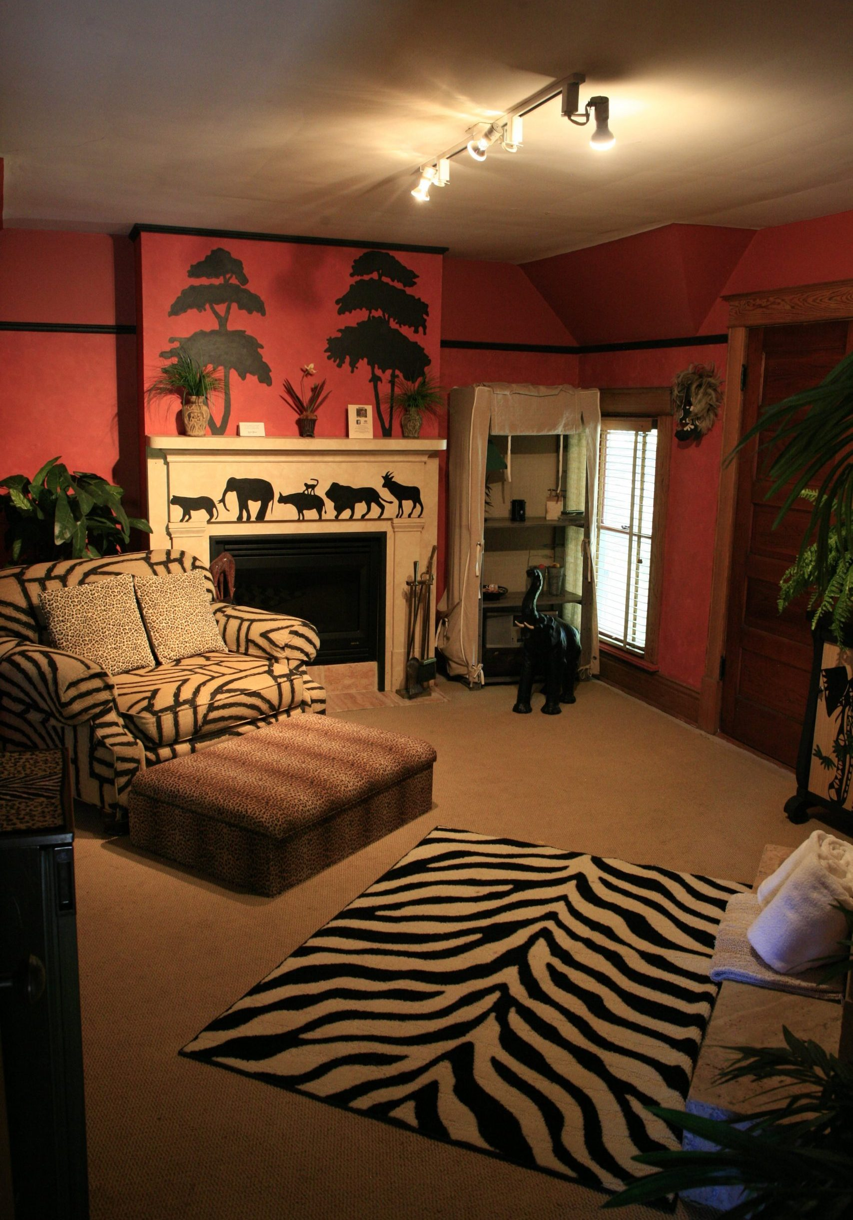 Safari Suite Living Room